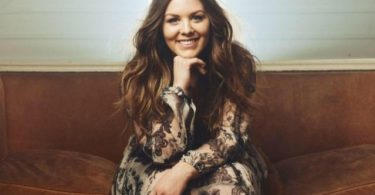 Watch Video & Download Music Split the sea by Hannah Kerr